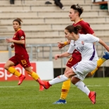 Tatiana Bonetti al tiro per il vantaggio della Fiorentina