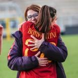 Bavagnoli abbraccia a fine partita Bonfantini